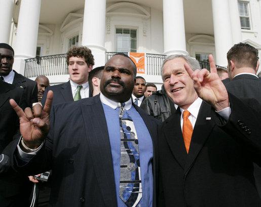 George_W._Bush_and_Jeff_Mad_Dog_Madden
