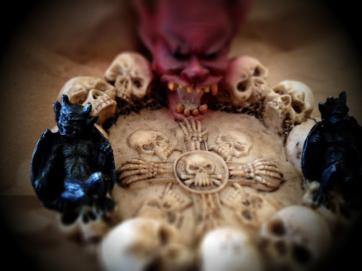 devil tray 02